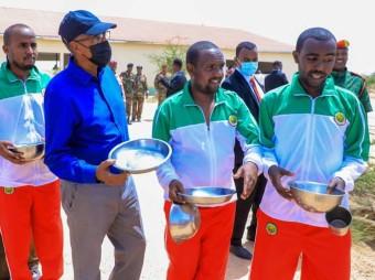 Madaxweynaha Jamhuuriyadda Somaliland Oo Booqasho Ugu Tegay Dufcadda Saddexaad Ee Dhalinyarada Barnaamijka Shaqo Qaran