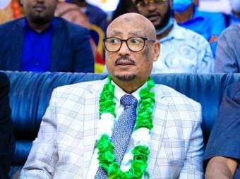 Abwaan Reer Somaliland Ah Oo Tix Gabay Ah Kusifeeyay Gudoomiyaha Xisbiga Mucaaradka Ah Ee Ucid Eng Faysal Cali Waraabe
